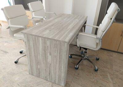 desk&chairs.jpg